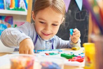 Các kỹ năng xã hội cần thiết cho trẻ vào lớp 1